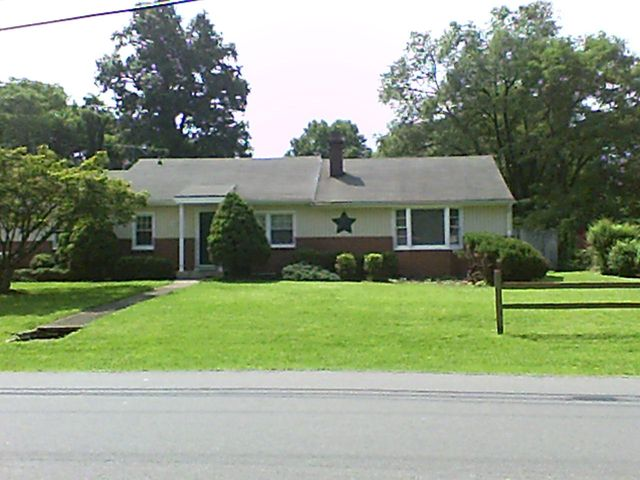 56 Upland DR, Salem, VA 24153