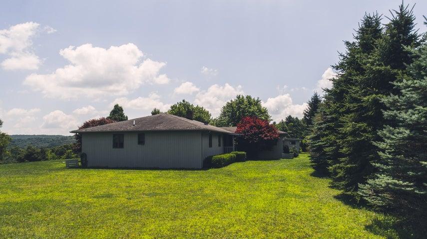 2954 Black Ridge RD SW, Willis, VA 24380