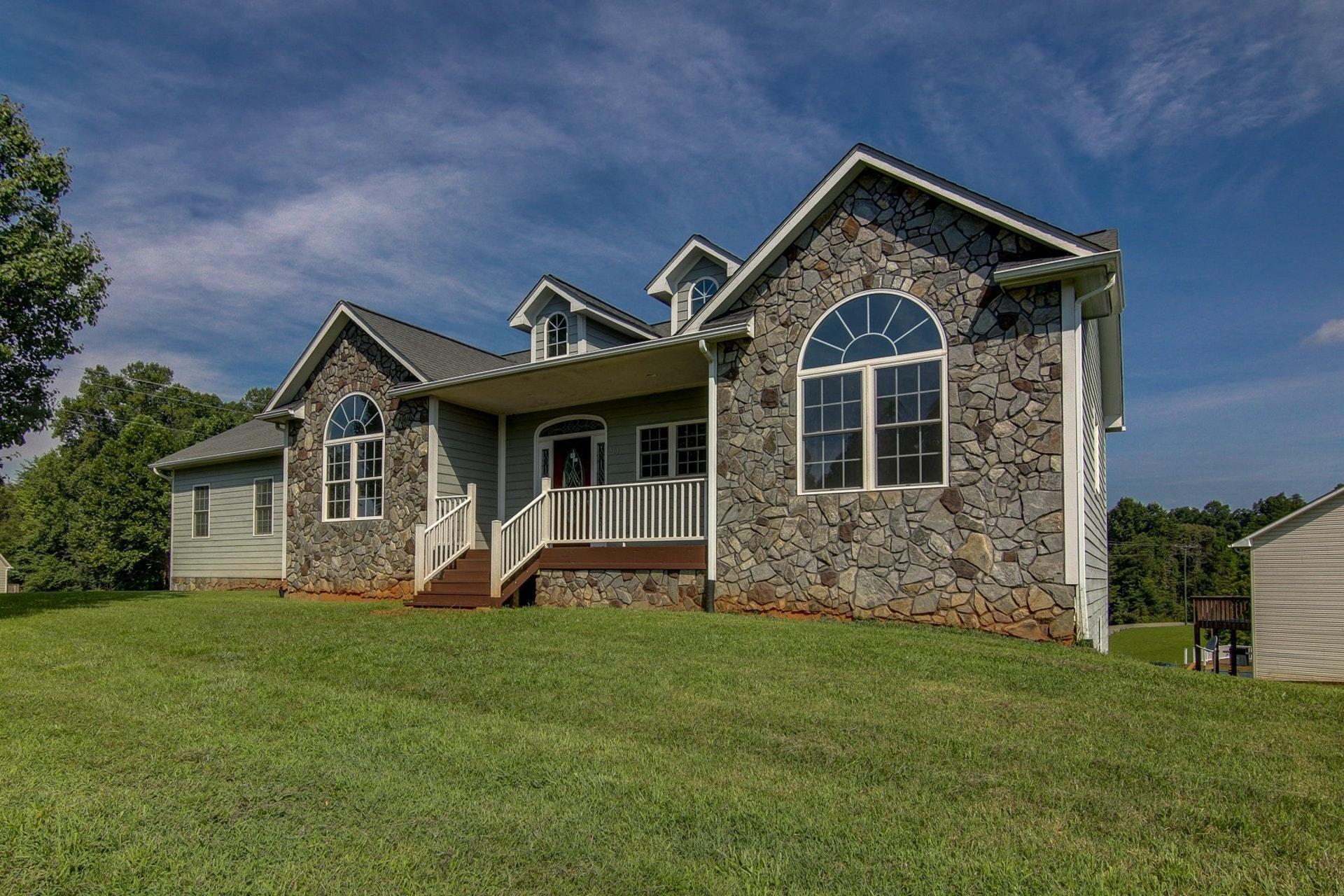 101 Little Creek RD, Moneta, VA 24121