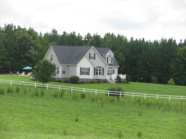 1547 Hawkins RD, Chatham, VA 24531