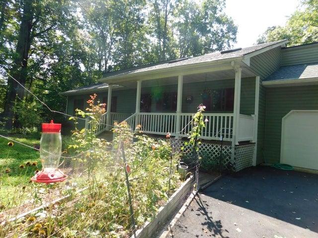 114 Woodlake DR, Goodview, VA 24095
