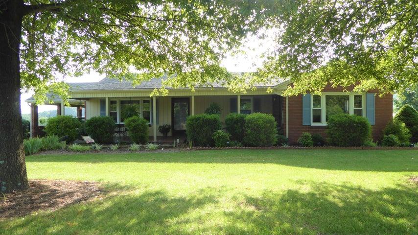 390 PINE GROVE RD, Glade Hill, VA 24092