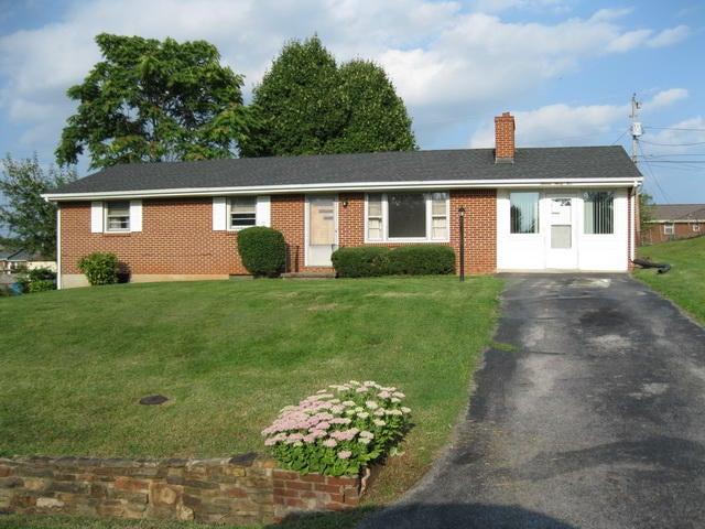 1635 LANCASTER DR NW, Roanoke, VA 24017