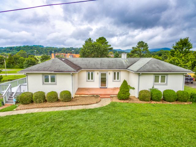 5385 Merriman RD, Roanoke, VA 24018
