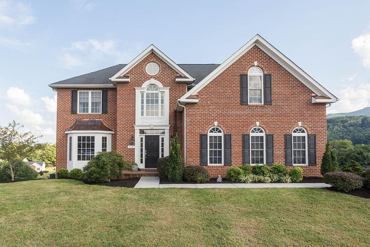 2140 River Oaks DR, Salem, VA 24153