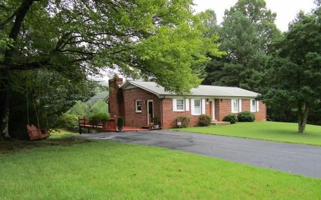 Well Maintained in the beautiful Cherokee Hills SD! You'll love these neighbors!