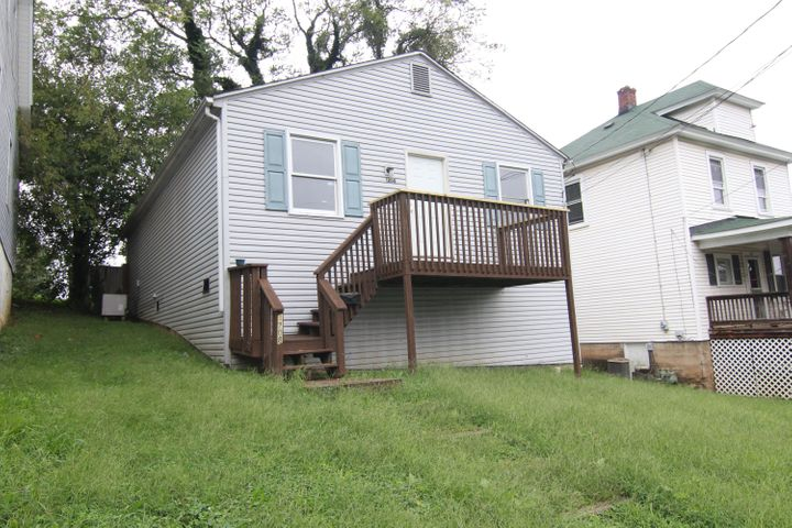 1208 TOMPKINS AVE SE, Roanoke, VA 24013