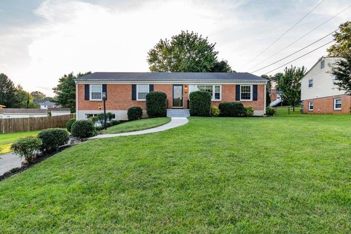 3455 Ashmeade DR, Roanoke, VA 24018