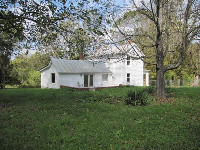 1405 FLOWING SPRINGS RD, Buchanan, VA 24066