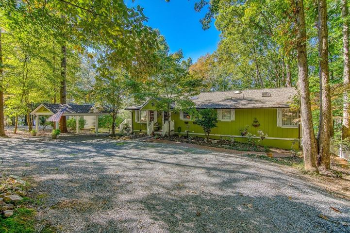 2373 Pine Ridge RD, Huddleston, VA 24104