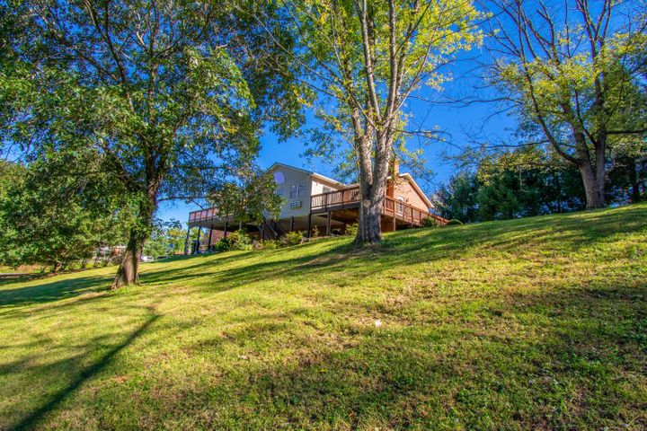 5639 Sugar Loaf Mountain RD, Roanoke, VA 24018