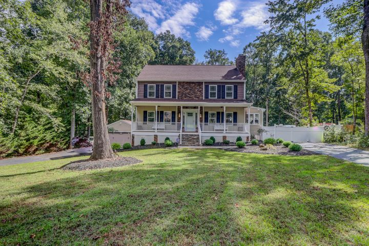 305 Peters DR, Forest, VA 24551