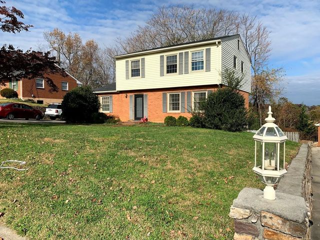 3009 Glenmont DR, Roanoke, VA 24018