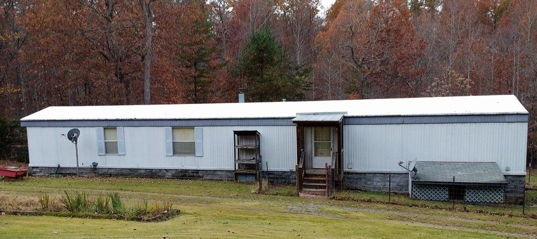 5025 Carters Mill RD, Huddleston, VA 24104