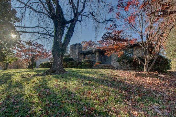 3305 Woodland DR, Roanoke, VA 24015