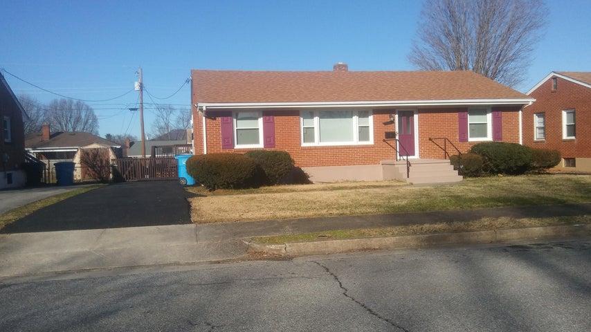 132 Hurst AVE NE, Roanoke, VA 24012