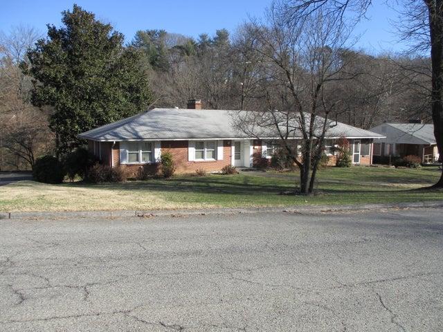 3590 Hartland RD SW, Roanoke, VA 24015