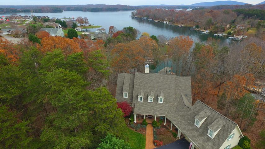 1 Million Homes For Sale On Smith Mountain Lake Debbie Shelton