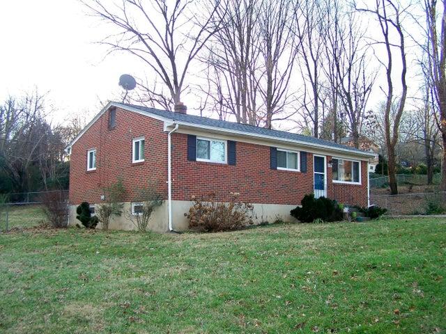 3417 CASTLE HILL ST, Roanoke, VA 24018