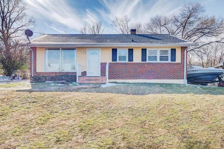 422 Frances DR NW, Roanoke, VA 24017