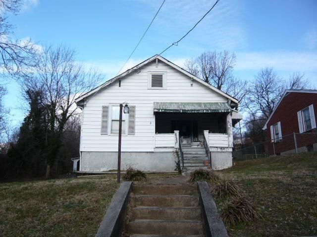 1920 RIVERDALE RD SE, Roanoke, VA 24014
