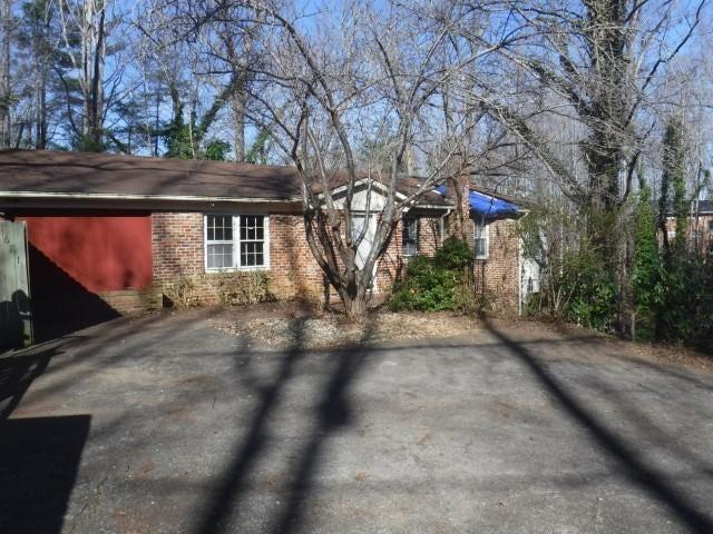 671 ROBINHOOD RD, Bassett, VA 24055
