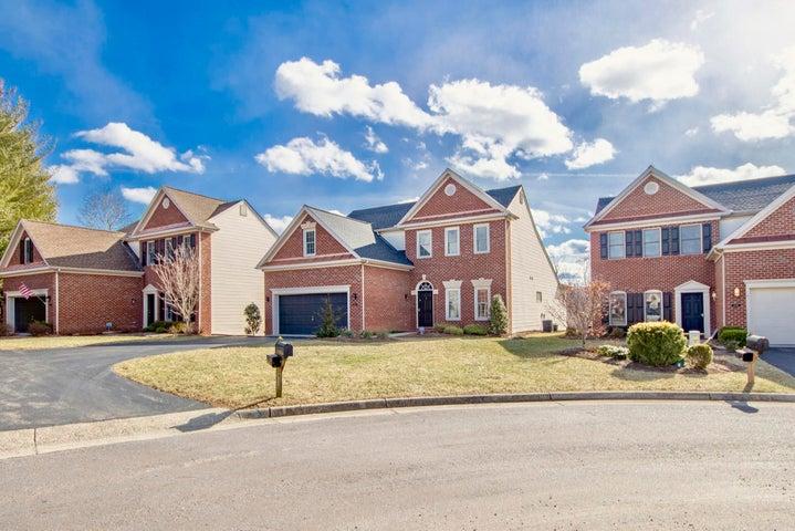 6082 Wertz Orchard RD, Roanoke, VA 24018