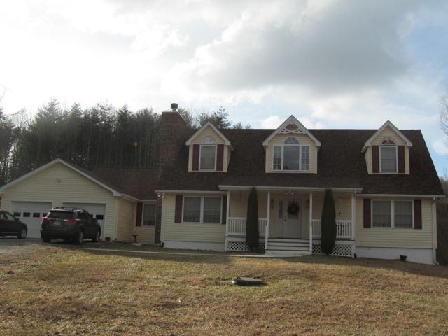 2236 Merifield RD NW, Willis, VA 24380