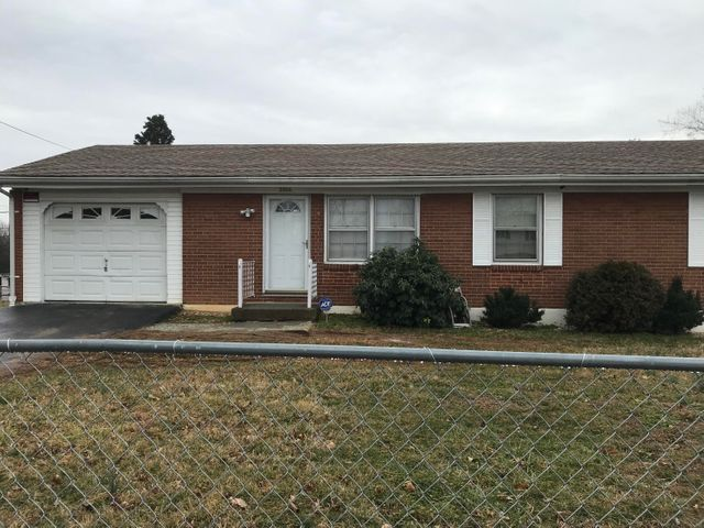 3814 Red Fox DR NW, Roanoke, VA 24017