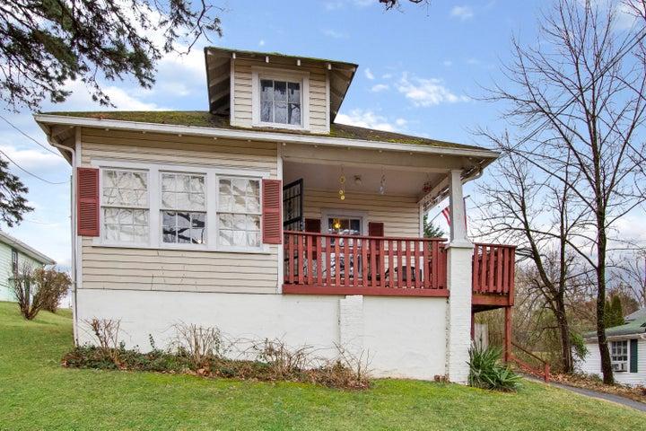1708 Springfield AVE, Salem, VA 24153