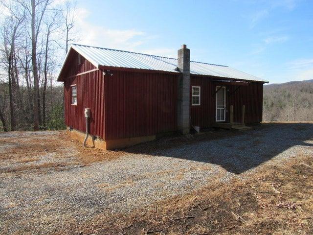 489 Woods Gap RD, Woolwine, VA 24185