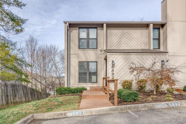 6892 Buck Crossing DR, Roanoke, VA 24018