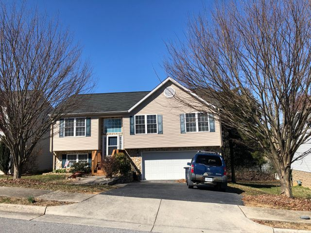 2010 Kay ST NW, Roanoke, VA 24017