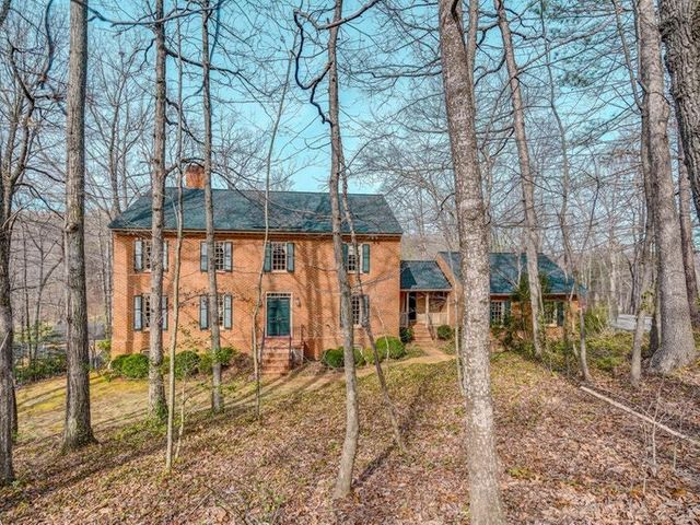 4859 Hunting Hills DR, Roanoke, VA 24018