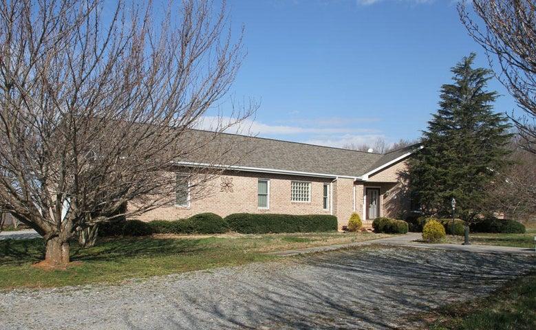 1849 Otter Hill RD, Bedford, VA 24523