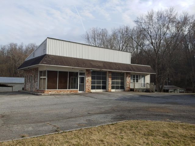 6841 Roanoke RD, Shawsville, VA 24162