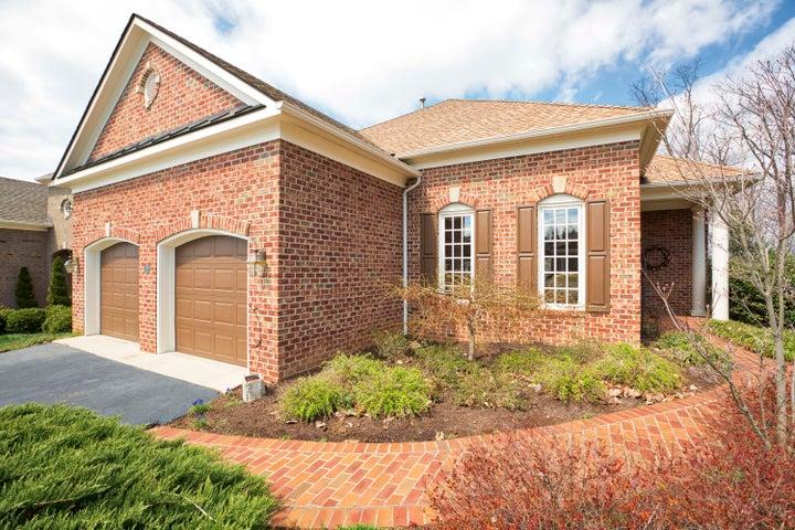3333 Somercroft CT SW, Roanoke, VA 24014