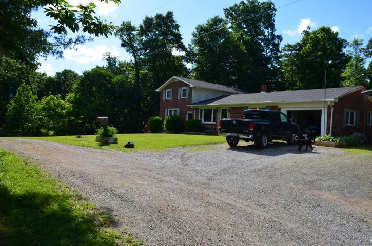 126 Kings Trail RD NW, Willis, VA 24380
