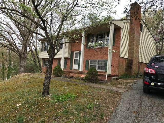 3777 TOMLEY DR, Roanoke, VA 24018