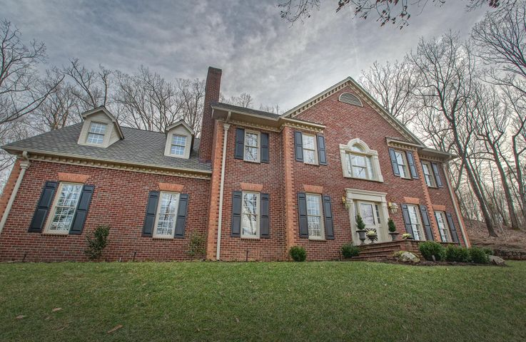 5114 Hunting Hills DR, Roanoke, VA 24018