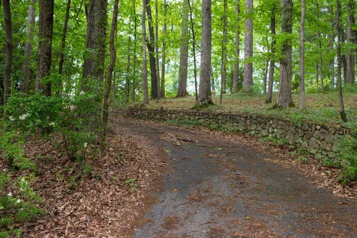 3370 Peakwood DR SW, Roanoke, VA 24014
