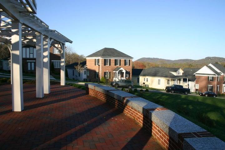 3618 Colonial Green CIR SW, Roanoke, VA 24018