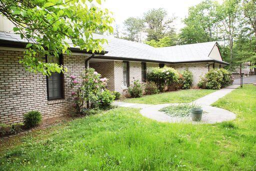 5037 Upland Game RD, Roanoke, VA 24018