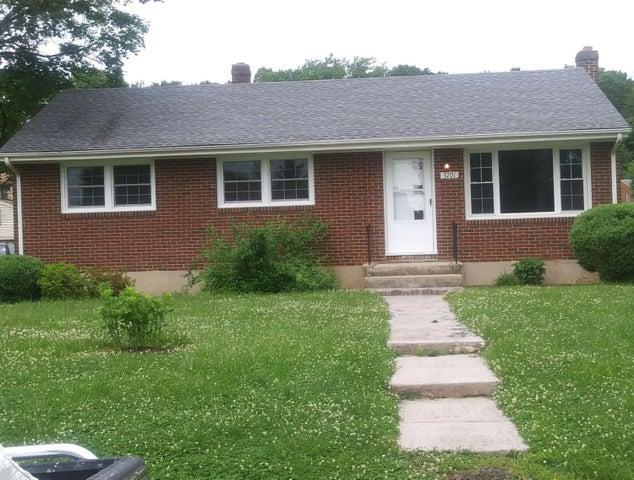 3701 Martinell AVE, Roanoke, VA 24018