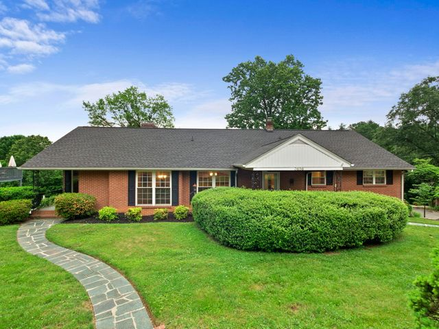3656 Winding Way RD SW, Roanoke, VA 24015