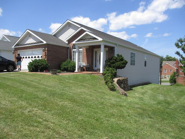 4901 Renee LN, Roanoke, VA 24018