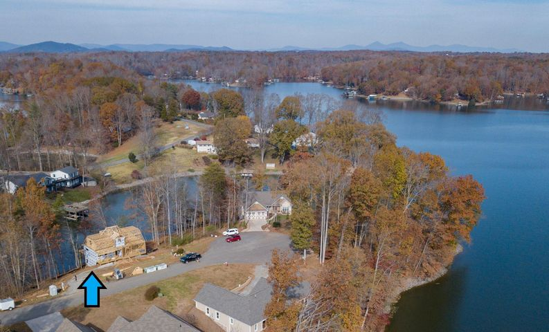129 Windward Pointe DR, Moneta, VA 24121