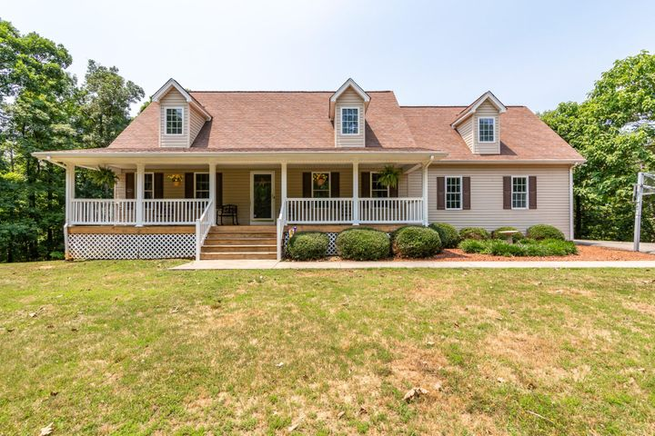 385 Hufton Brook LN, Blue Ridge, VA 24064