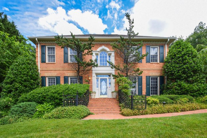 5364 Peregrine Crest CIR, Roanoke, VA 24018