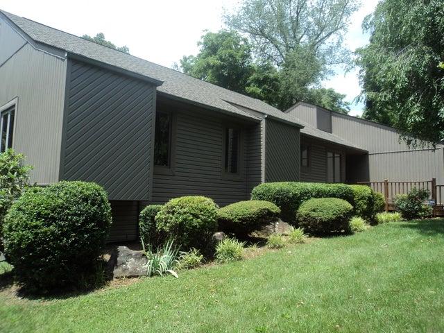 5924 Bridlewood DR, Roanoke, VA 24018